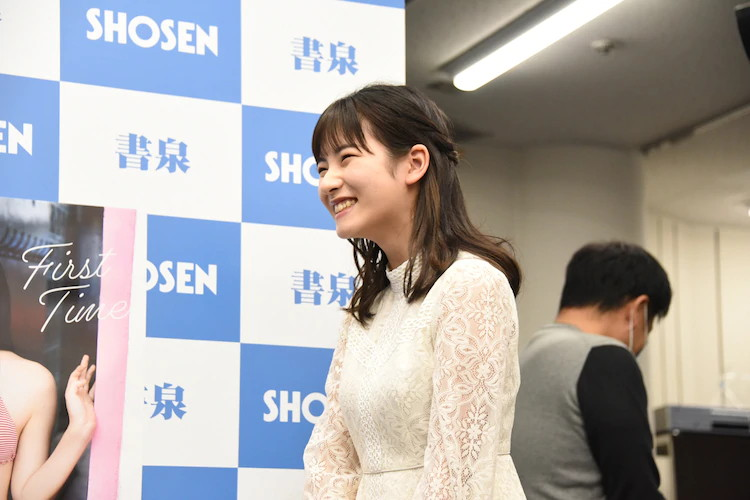 【北川莉央エロ画像】笑顔が可愛い新人モー娘アイドルの眩しいビキニ姿! 28