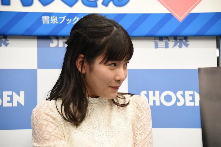 【北川莉央エロ画像】笑顔が可愛い新人モー娘アイドルの眩しいビキニ姿! 35