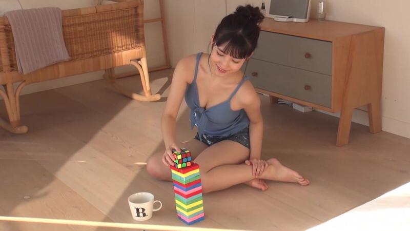 【北川莉央エロ画像】笑顔が可愛い新人モー娘アイドルの眩しいビキニ姿! 52