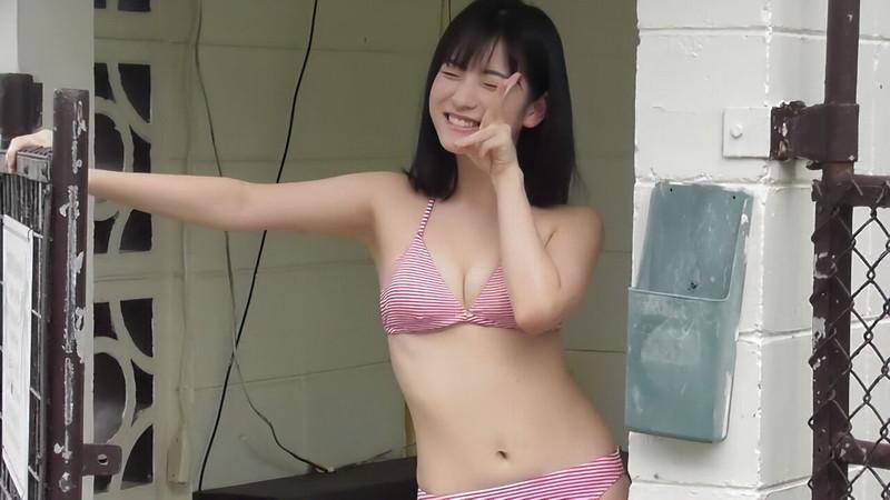 【北川莉央エロ画像】笑顔が可愛い新人モー娘アイドルの眩しいビキニ姿! 59