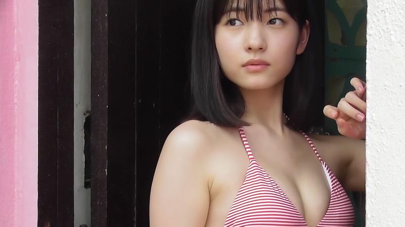 【北川莉央エロ画像】笑顔が可愛い新人モー娘アイドルの眩しいビキニ姿! 63