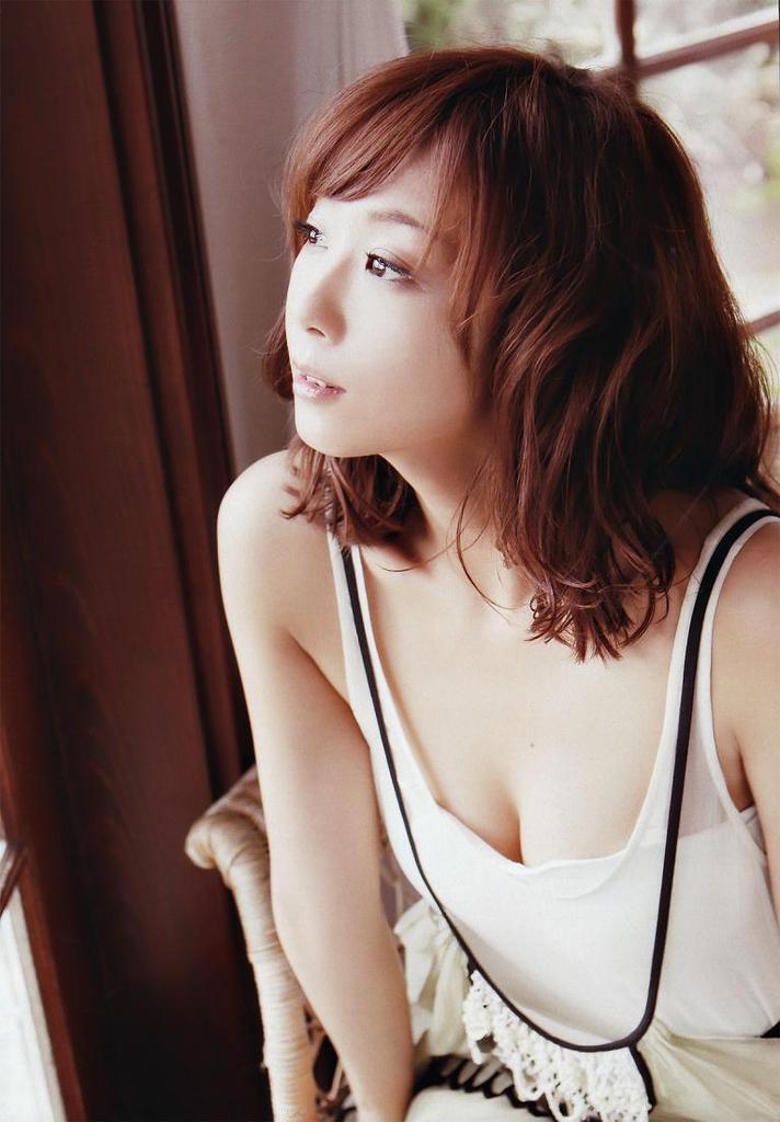 【優香お宝画像】元祖癒やし系グラドルの形良いオッパイがめちゃエロ! 14