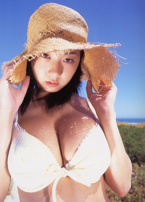 【優香お宝画像】元祖癒やし系グラドルの形良いオッパイがめちゃエロ! 34