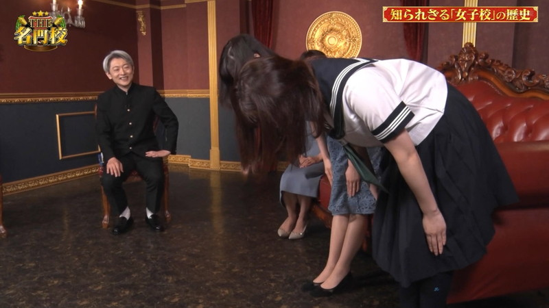 【角谷暁子キャプ画像】テレビ東京の女子アナがセーラー服コスプレしてるwwww 05