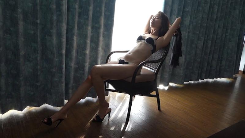 【泉玲菜キャプ画像】美人モデルが初めてグラビアとイメージに挑戦した姿がコレだっ 35