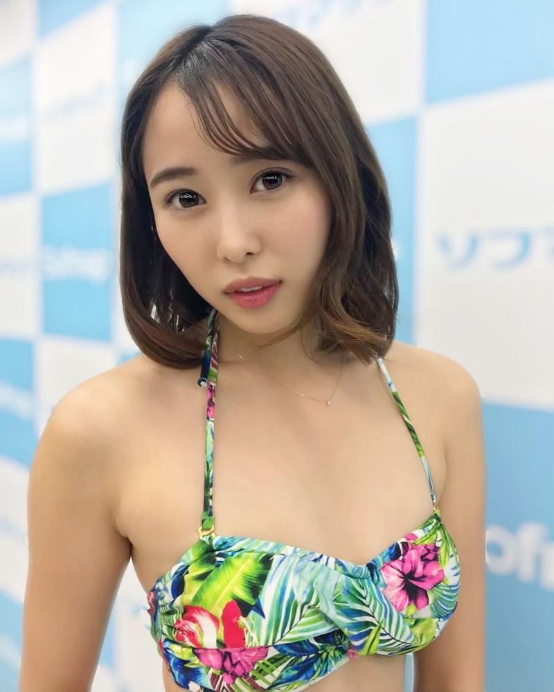 【泉玲菜キャプ画像】美人モデルが初めてグラビアとイメージに挑戦した姿がコレだっ 67