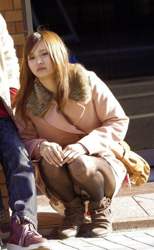 【素人エロ画像】冬でも関係なくミニスカ穿いてパンチラ全開のエロギャル! 58