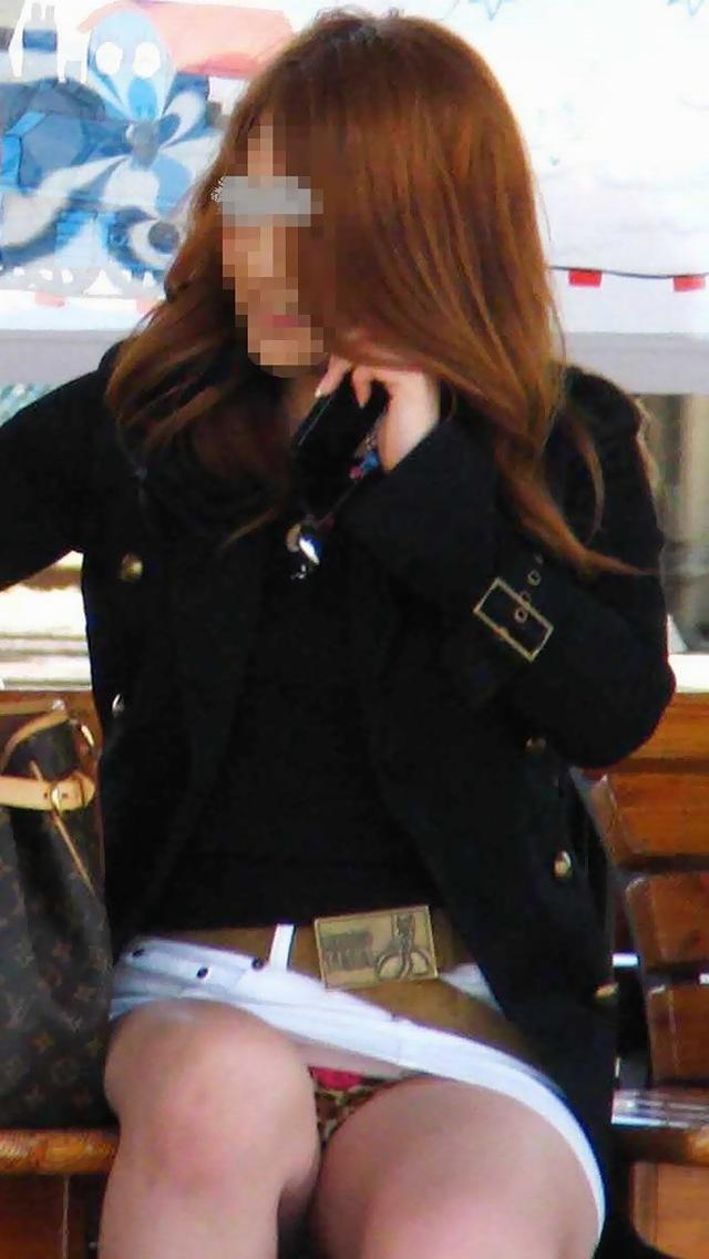 【素人エロ画像】冬でも関係なくミニスカ穿いてパンチラ全開のエロギャル! 65