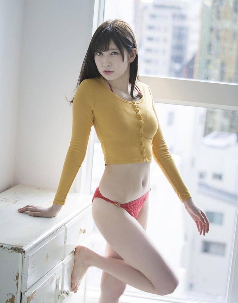 【吉田朱里エロ画像】NMB48からの卒業を発表した美人アイドルのお宝画像 23