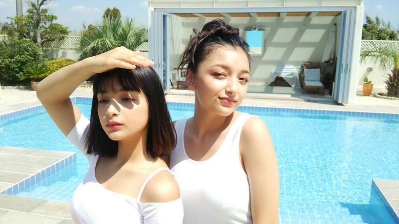 【エリカ・マリナグラビア画像】TikTokでブレイクしたハーフ美人JK姉妹の水着エロ画像 03