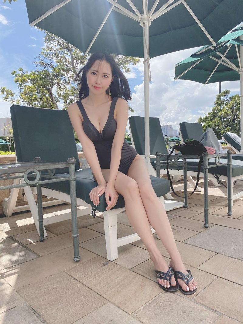【戌丸凛々子エロ画像】Fカップ巨乳で副業グラドルしてるめちゃかわアラサーOL 31