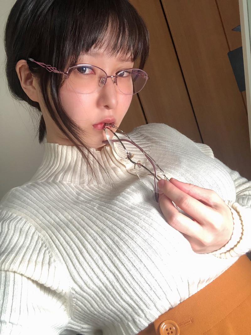 【雨宮留菜キャプ画像】ちっちゃいボディにJカップバストの抜けるグラドル! 77