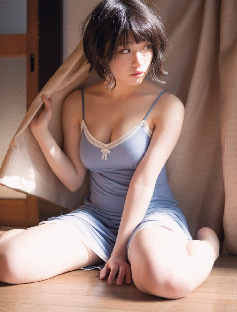 【根本凪グラビア画像】ボブヘアが可愛いGカップ美少女アイドルのビキニエロ画像 07