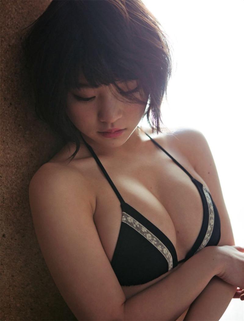 【根本凪グラビア画像】ボブヘアが可愛いGカップ美少女アイドルのビキニエロ画像 08