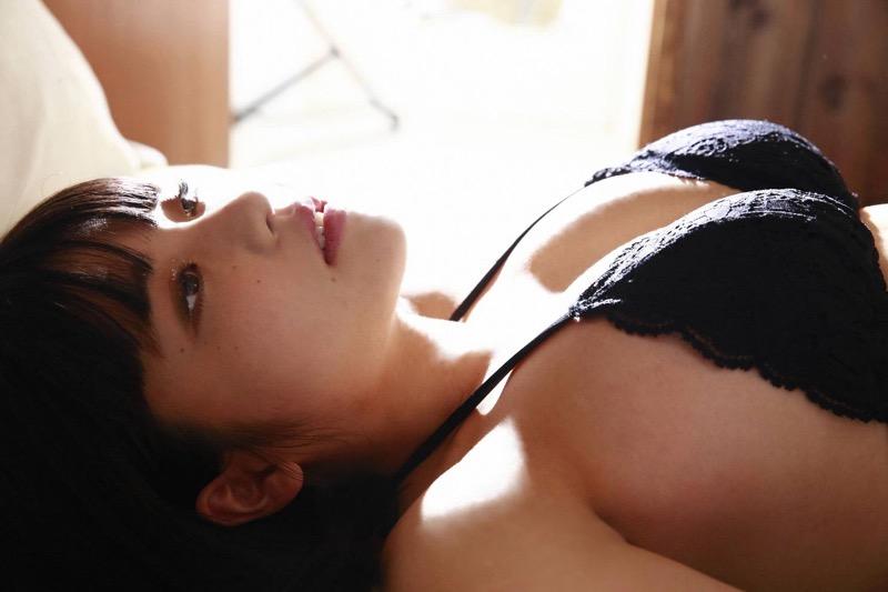 【根本凪グラビア画像】ボブヘアが可愛いGカップ美少女アイドルのビキニエロ画像 34