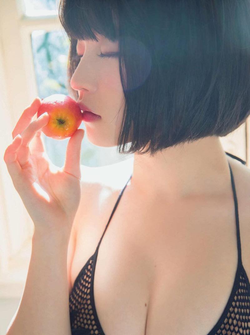 【根本凪グラビア画像】ボブヘアが可愛いGカップ美少女アイドルのビキニエロ画像 40