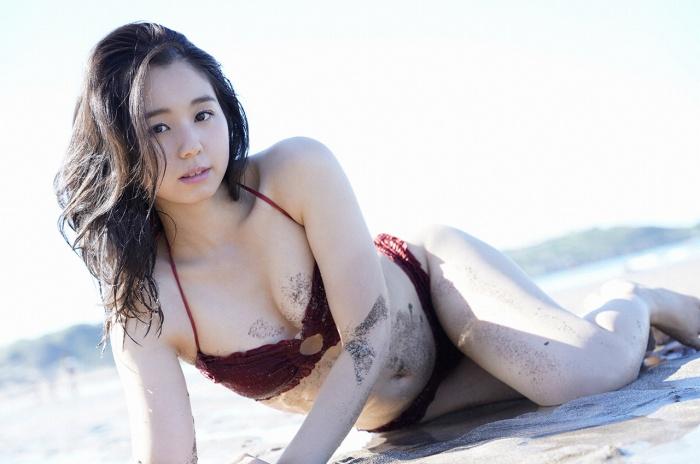 【小池里奈グラビア画像】美少女子役で活躍していた女優がセクシー方面に進出!? 12