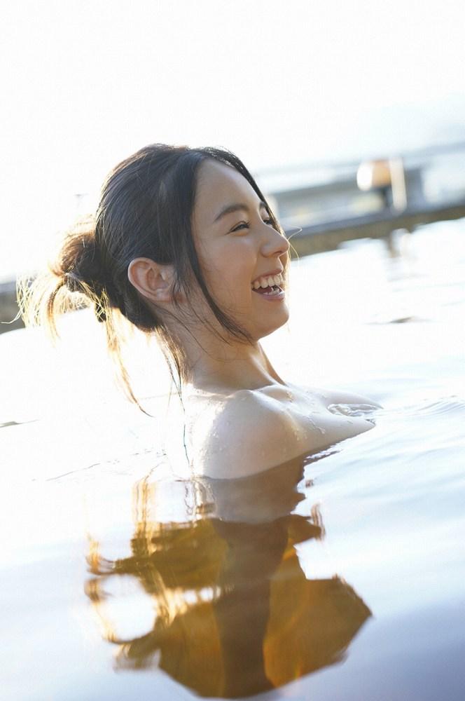 【小池里奈グラビア画像】美少女子役で活躍していた女優がセクシー方面に進出!? 17