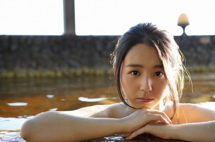 【小池里奈グラビア画像】美少女子役で活躍していた女優がセクシー方面に進出!? 20