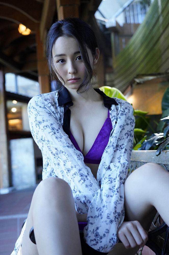 【小池里奈グラビア画像】美少女子役で活躍していた女優がセクシー方面に進出!? 39