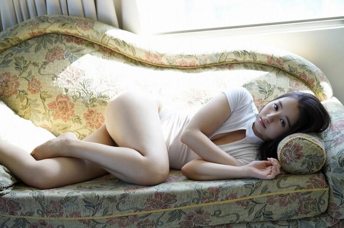 【小池里奈グラビア画像】美少女子役で活躍していた女優がセクシー方面に進出!? 43