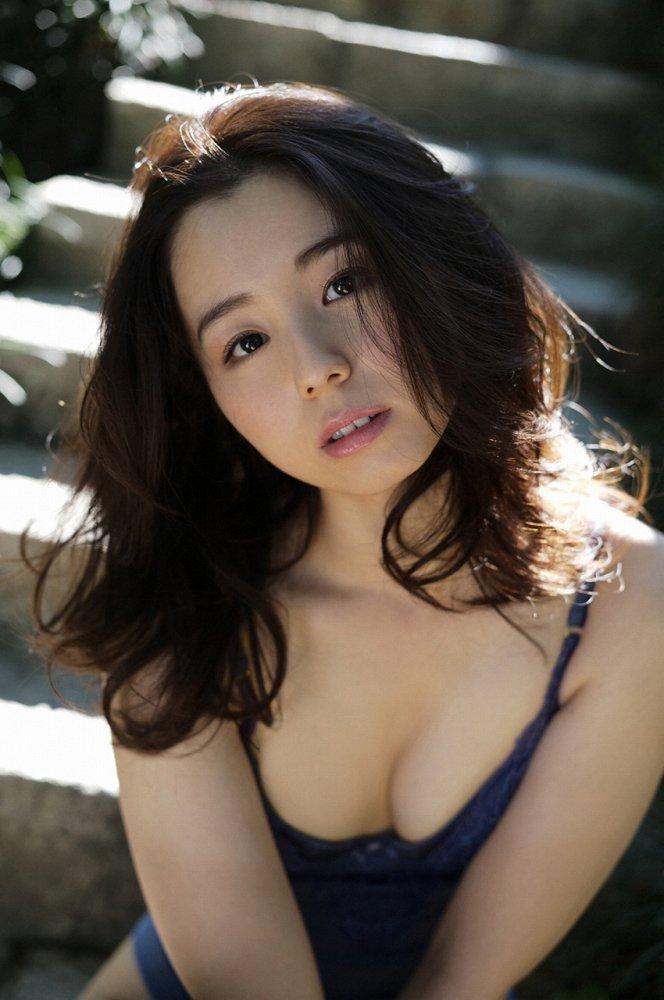 【小池里奈グラビア画像】美少女子役で活躍していた女優がセクシー方面に進出!? 49