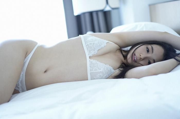 【小池里奈グラビア画像】美少女子役で活躍していた女優がセクシー方面に進出!? 72