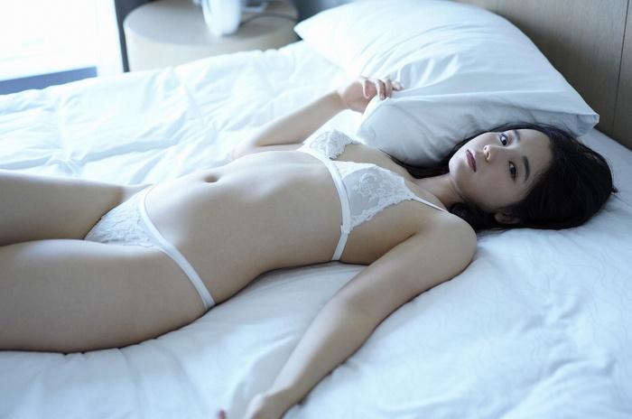 【小池里奈グラビア画像】美少女子役で活躍していた女優がセクシー方面に進出!? 73