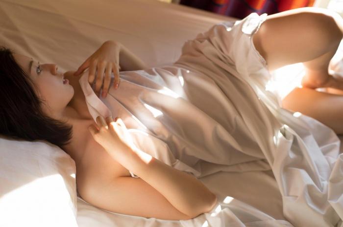 【小池里奈グラビア画像】美少女子役で活躍していた女優がセクシー方面に進出!? 76