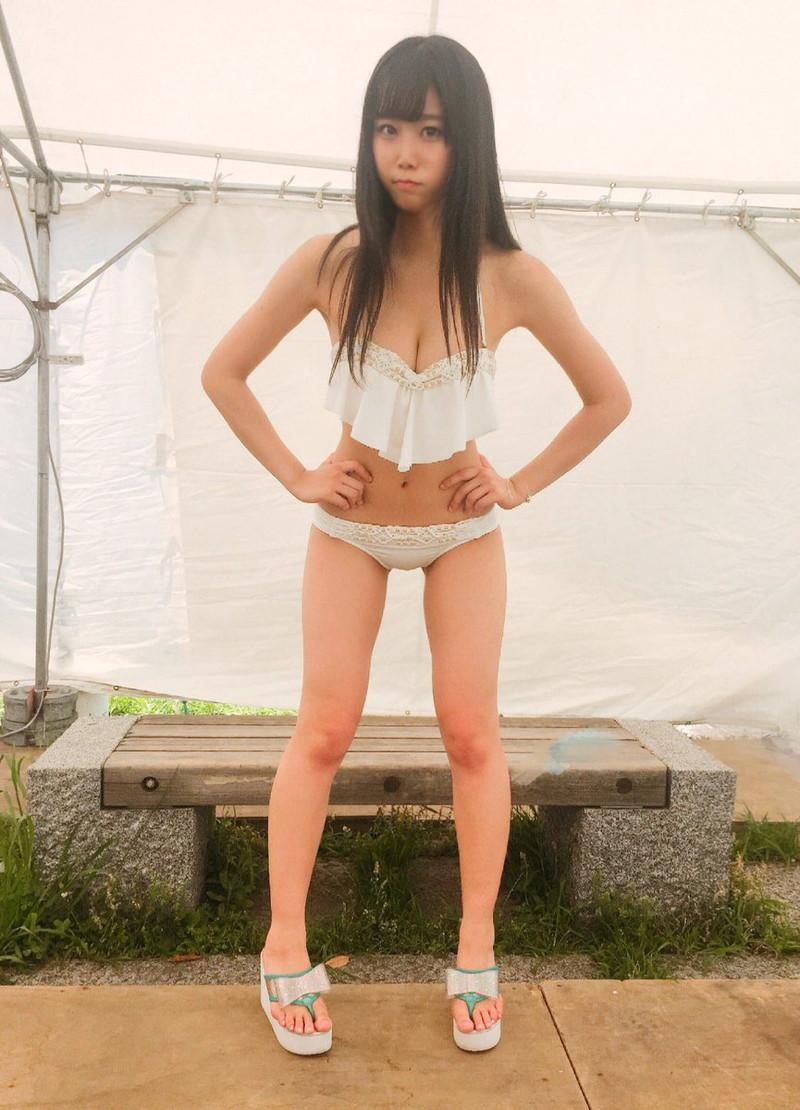 【アイドルエロ画像】アイドルが水着やコスプレして男性ファンを悦ばせちゃう! 57