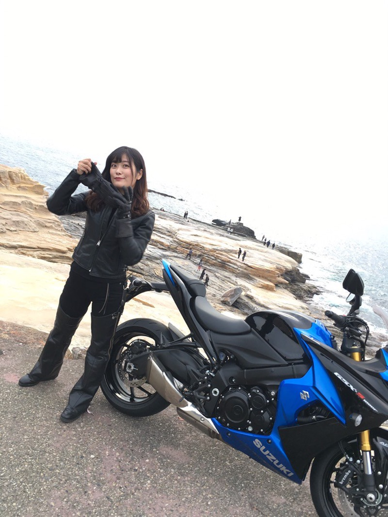【国友愛佳エロ画像】90cmFカップエロボディの30代グラビアアイドル美女 77