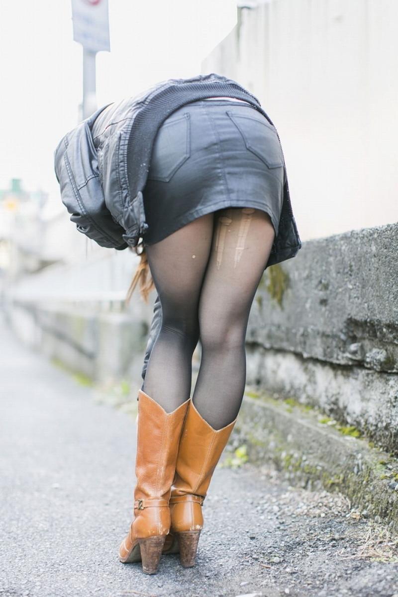【タイツエロ画像】冬は露出が減るけど着衣エロが見られるのがイイよねw 55