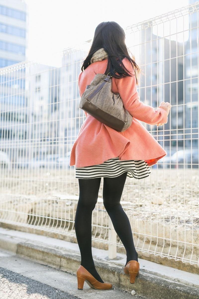 【タイツエロ画像】冬は露出が減るけど着衣エロが見られるのがイイよねw 73