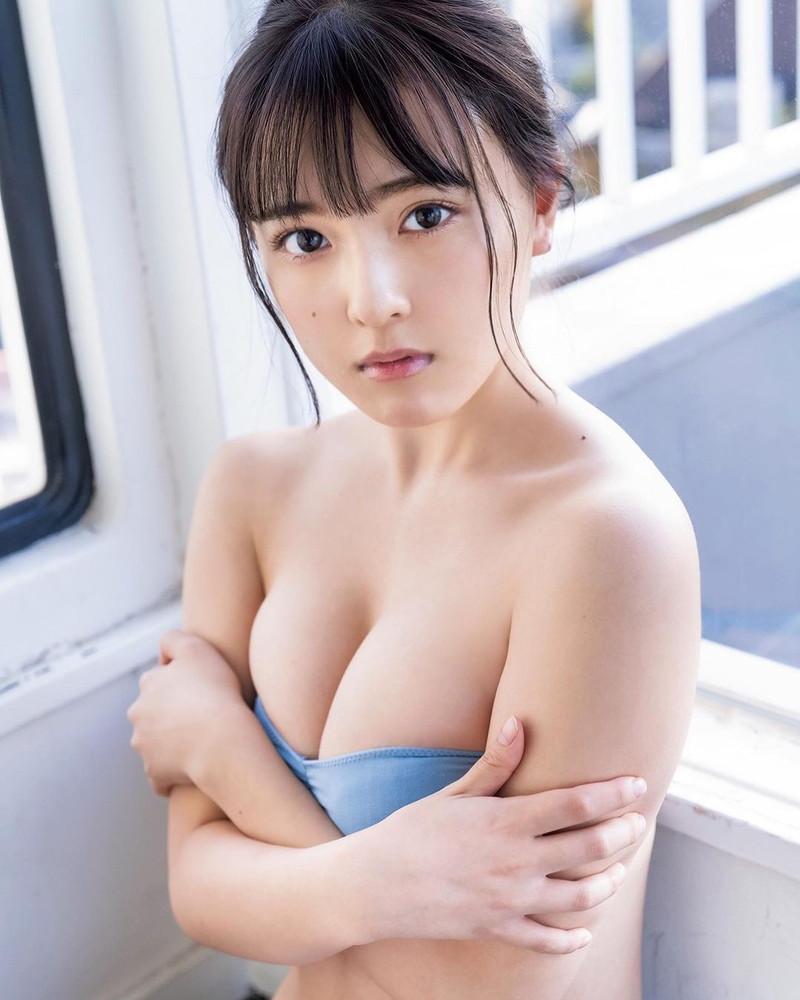 【由良朱合グラビア画像】元アイドルやってた現役JDのセクシー水着姿 05