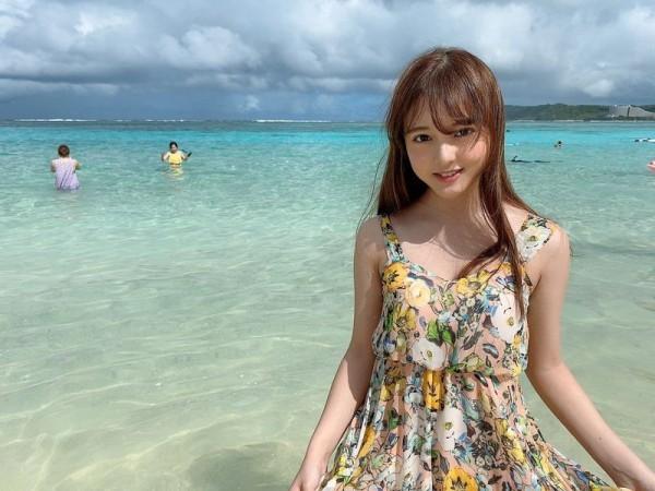 【由良朱合グラビア画像】元アイドルやってた現役JDのセクシー水着姿 18