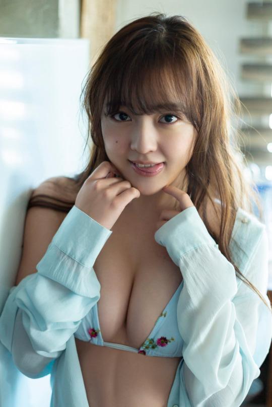 【由良朱合グラビア画像】元アイドルやってた現役JDのセクシー水着姿 45