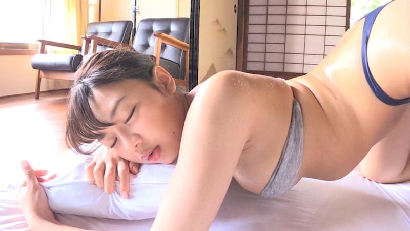 【織田唯愛キャプ画像】総合格闘技でラウンドガールやってるエッチなお姉さん 29