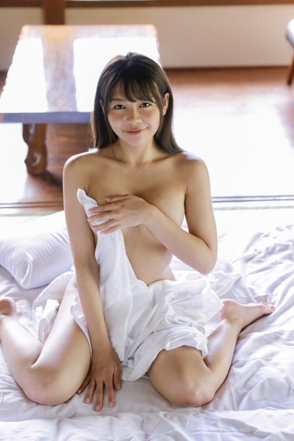 【織田唯愛キャプ画像】総合格闘技でラウンドガールやってるエッチなお姉さん 62