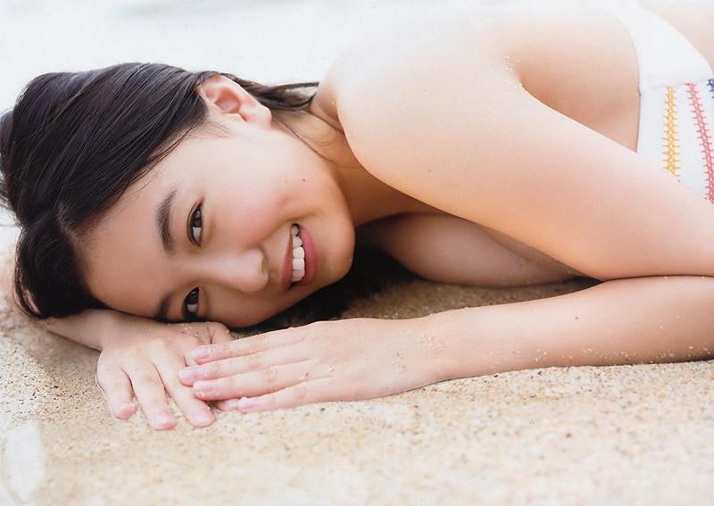 【舞子グラビア画像】今年女子大生になったHカップ爆乳ボディの和風顔グラドル 06