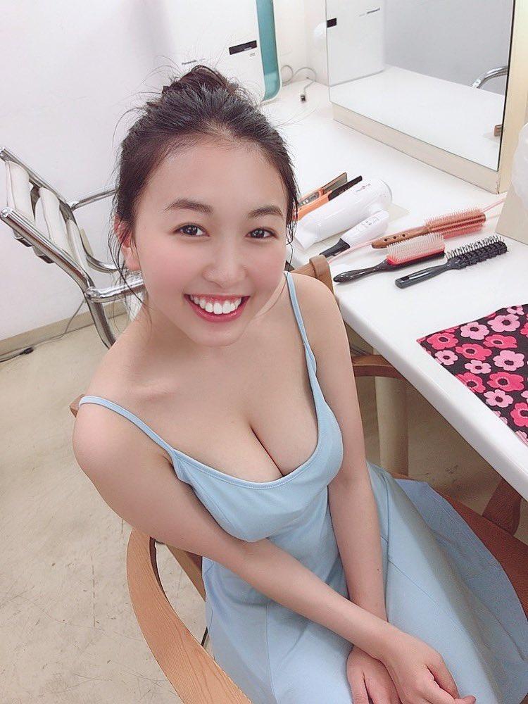 【舞子グラビア画像】今年女子大生になったHカップ爆乳ボディの和風顔グラドル 17