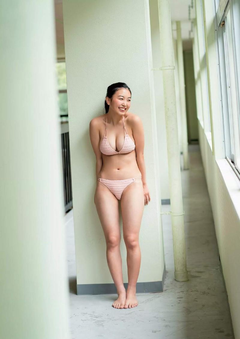 【舞子グラビア画像】今年女子大生になったHカップ爆乳ボディの和風顔グラドル 25