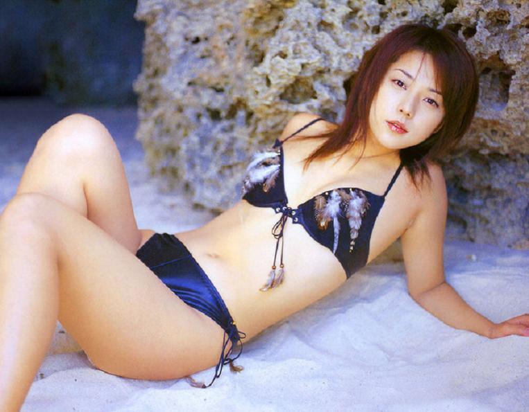 【吉岡美穂お宝画像】あのIZAMと結婚した元グラビアアイドルの貴重なエロ写真 04