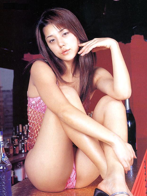 【吉岡美穂お宝画像】あのIZAMと結婚した元グラビアアイドルの貴重なエロ写真 33