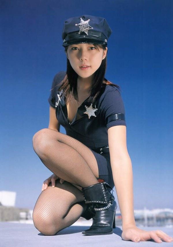 【吉岡美穂お宝画像】あのIZAMと結婚した元グラビアアイドルの貴重なエロ写真 34