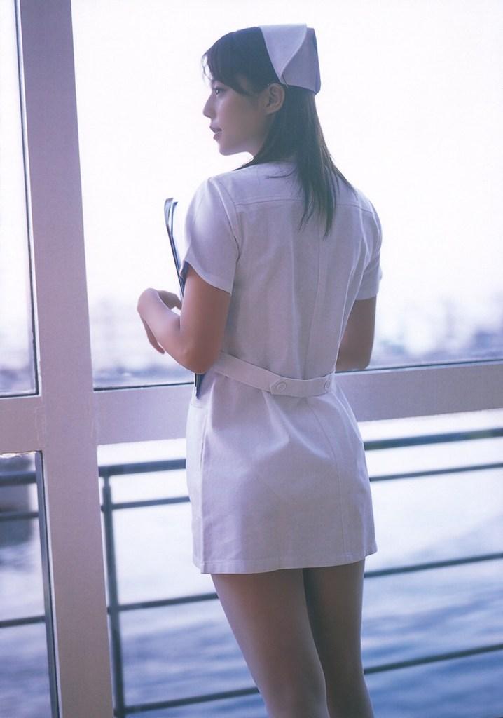 【吉岡美穂お宝画像】あのIZAMと結婚した元グラビアアイドルの貴重なエロ写真 37