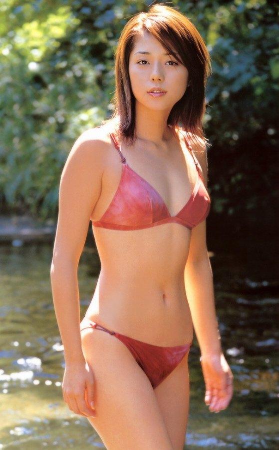 【吉岡美穂お宝画像】あのIZAMと結婚した元グラビアアイドルの貴重なエロ写真 41