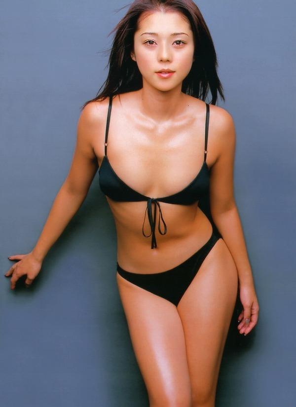 【吉岡美穂お宝画像】あのIZAMと結婚した元グラビアアイドルの貴重なエロ写真 42