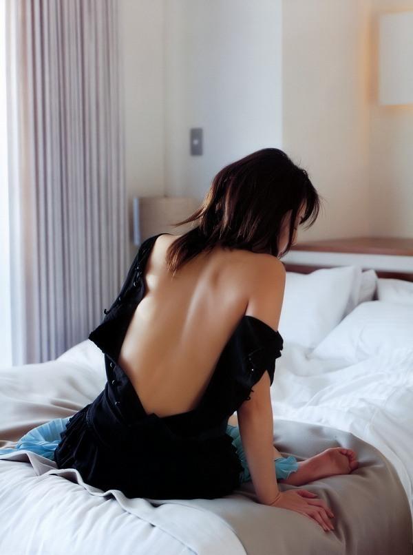 【吉岡美穂お宝画像】あのIZAMと結婚した元グラビアアイドルの貴重なエロ写真 45
