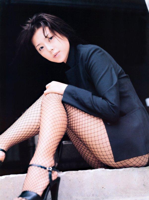【吉岡美穂お宝画像】あのIZAMと結婚した元グラビアアイドルの貴重なエロ写真 46