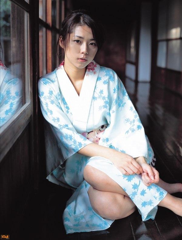 【吉岡美穂お宝画像】あのIZAMと結婚した元グラビアアイドルの貴重なエロ写真 48